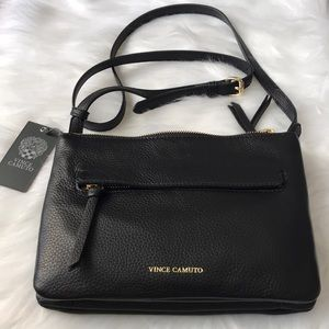 💥NWT💥VINCE CAMUTO Gally Crossbody